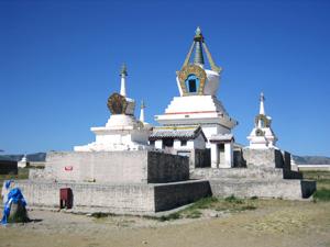 いまも篤い信仰をあつめているエルデニズー寺院の仏舎利。